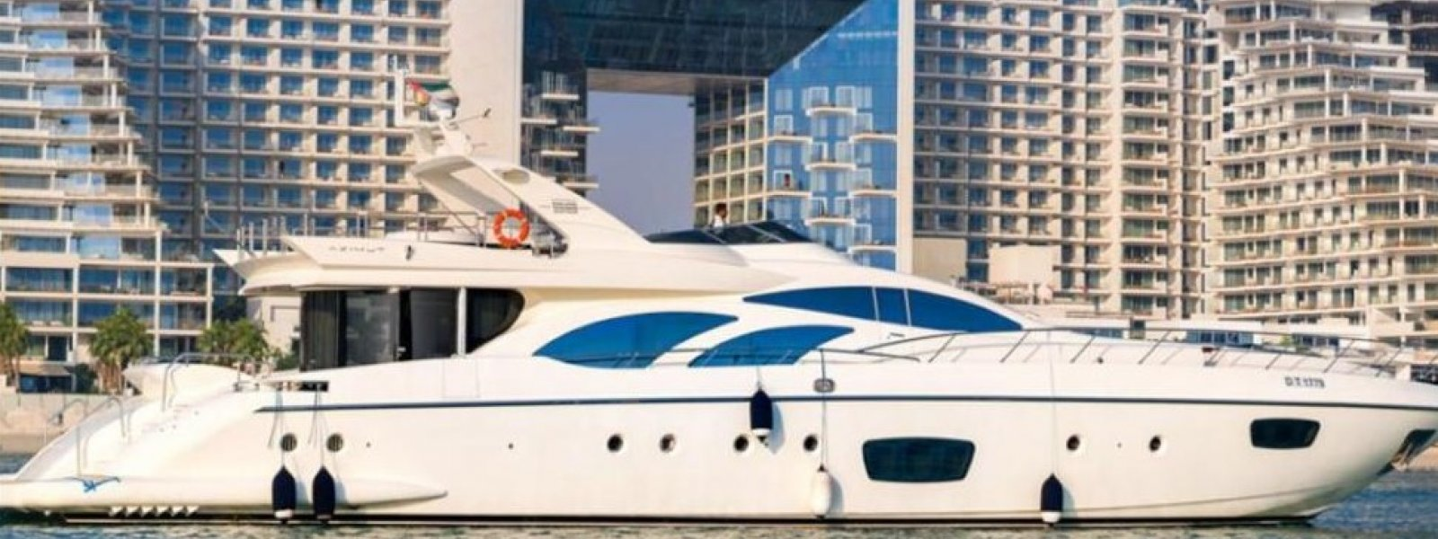 Azimut 100 Feet Luxury Yacht