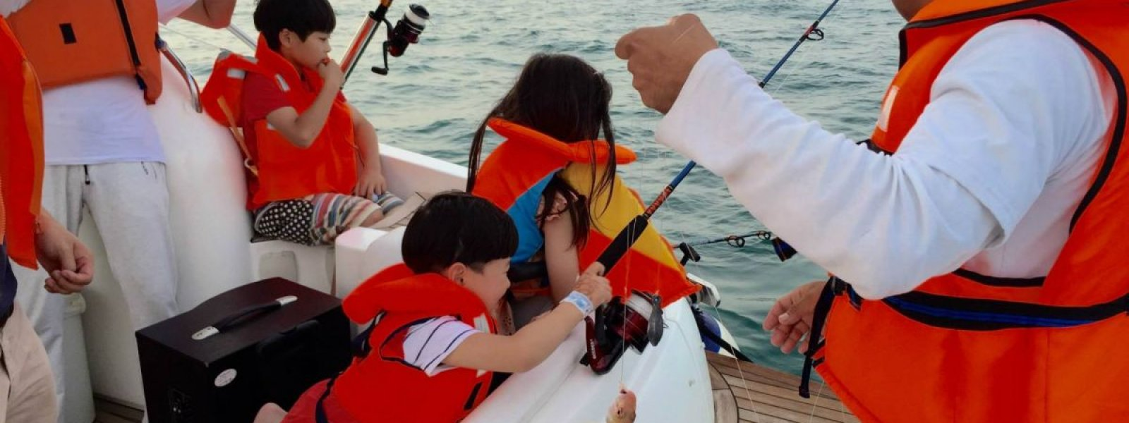 Family Fishing in Dubai