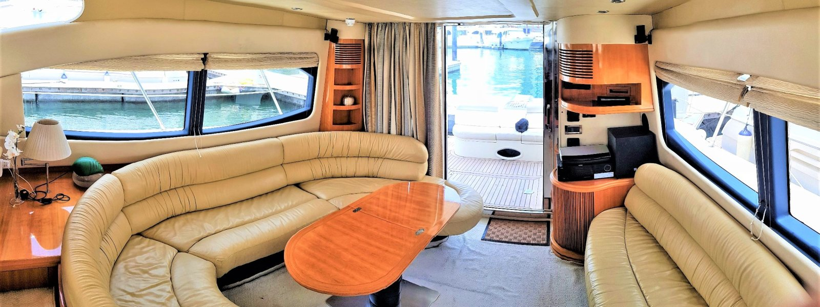 Cozmo 50 Seamaster Yacht lounge for family.
