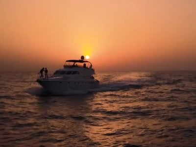 Romantic Sunset Cruise Dubai