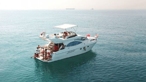 Charter Cozmo 50 Seamaster Yacht. Hire for Family Gatherings on a Luxury Yacht
