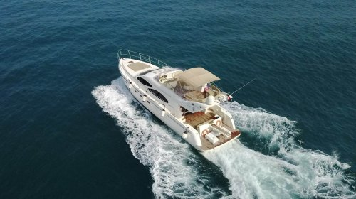 Chartered Yacht cozmo 55 at deep sea