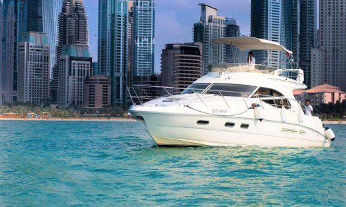 45 Feet Luxury Yacht Available for rent on New Year Eve in Dubai